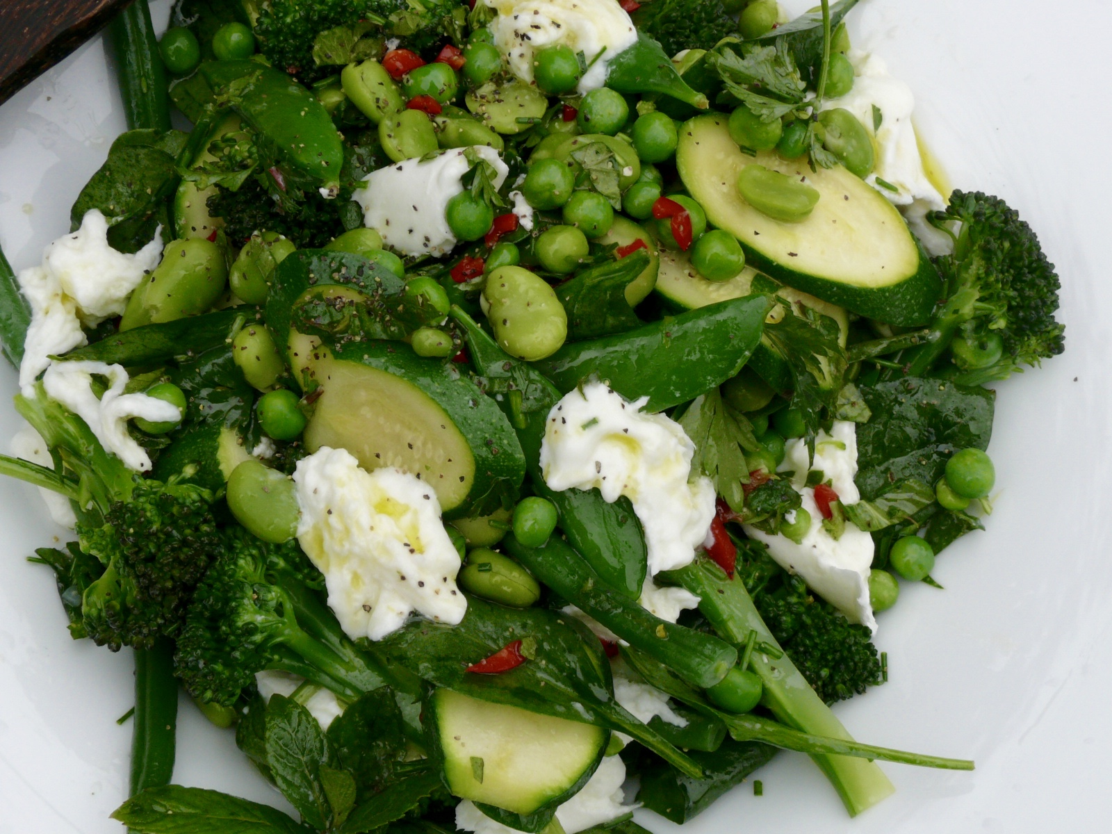 spring green and mozzarella salad